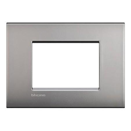 Placa Rectangular 3 Módulos Niquel LNC4803NK Livinglight AIR BTicino