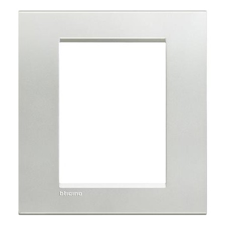 Placa Rectangular Plata 3+3 Módulos Bticino Livinglight LNA4826AG